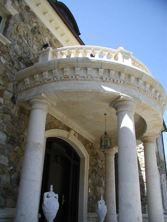 Grand Entrance - Close Up