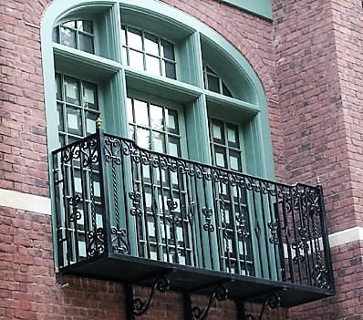 Iron Balcony with Support